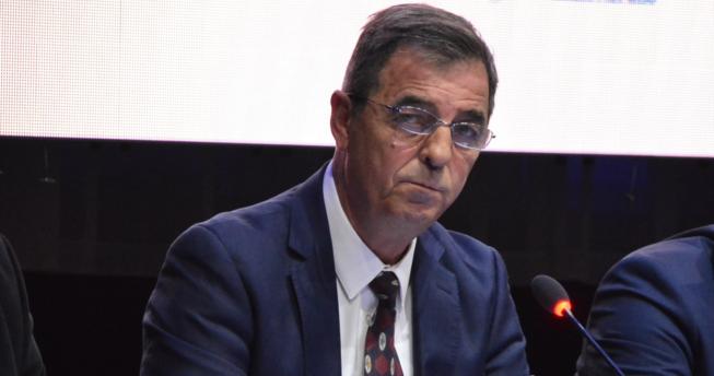 Në foto shihet Presidenti i Federatës së Hendbollit të Kosovës, Eugen Saraçini.