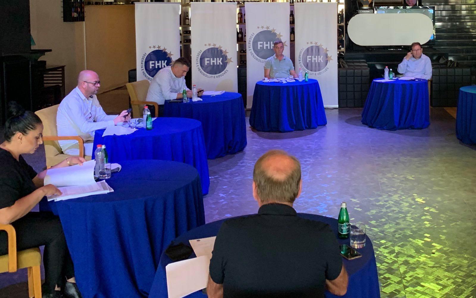 Bordi i federates ne mbledhje