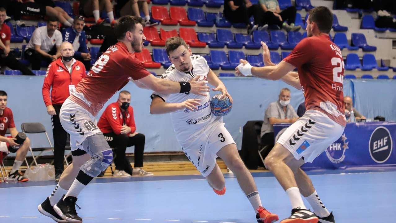 Nje lojtar i Kastriotit tenton te deperton mbrojtjen e Besa Famgas
